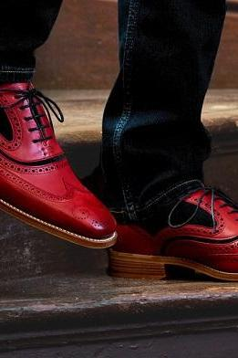 Handmade Men Genuine Maroon Red Tone Leather Oxford Men Wing Tip Tan Sole Lace Up Shoes